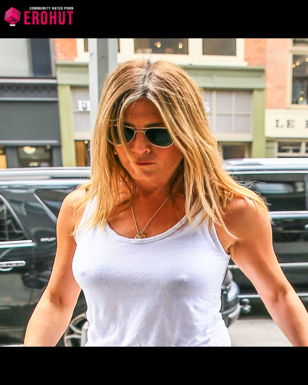 Jennifer Aniston No Bra, Nipples