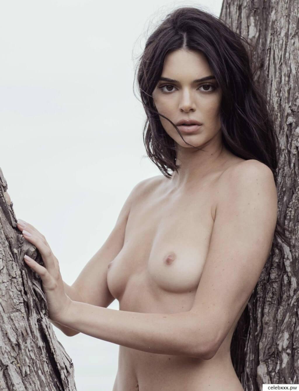 Kendal Jenner Nude Beach