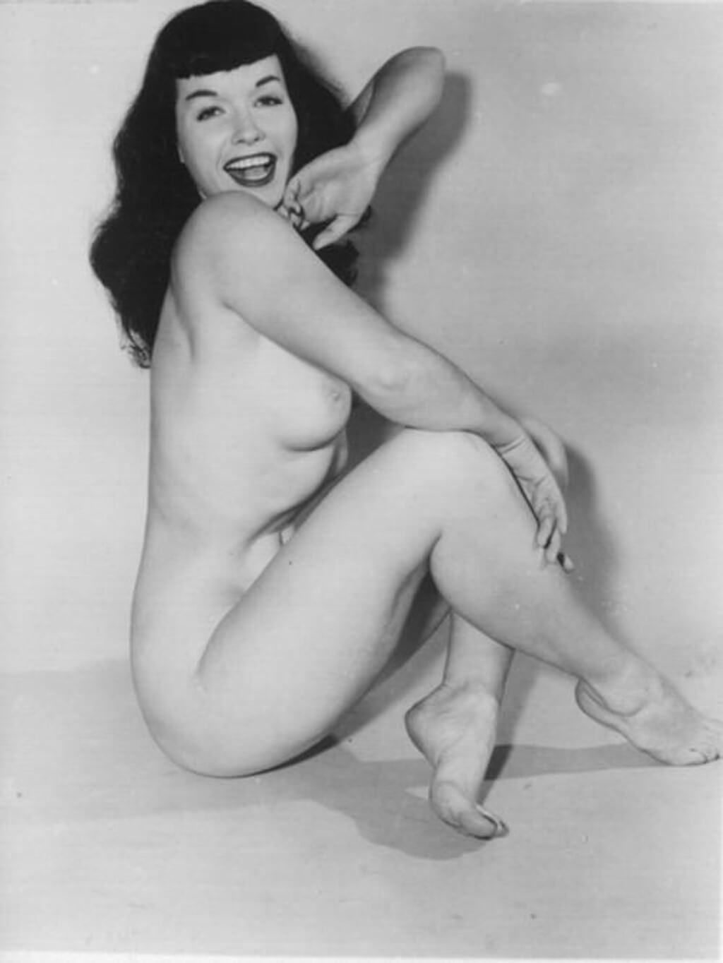 Pin Up Bettie Page Nude Hairy Pussy Color