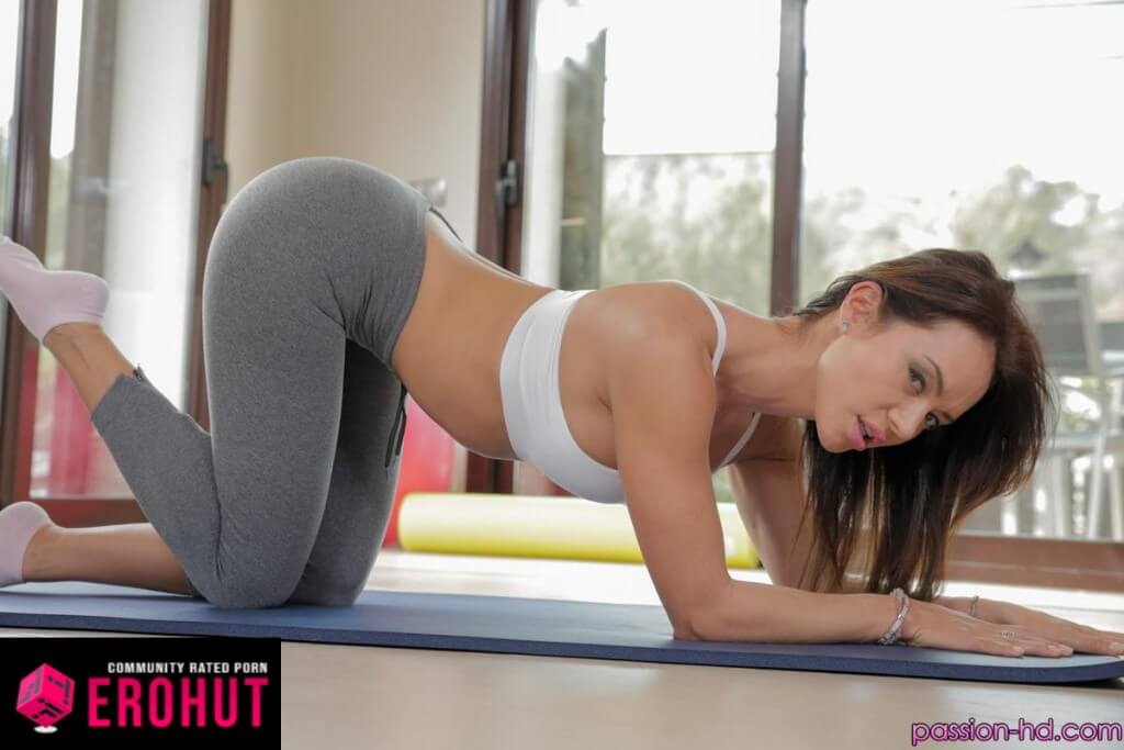 Francesca Jaimes Big Oiled Ass