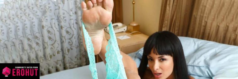 Top 20: Foot Fetish Pornstars with Perfect Footjob Feet (2020)
